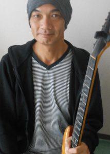 カサメミュージックスクールギター科講師、工藤尚之先生の写真