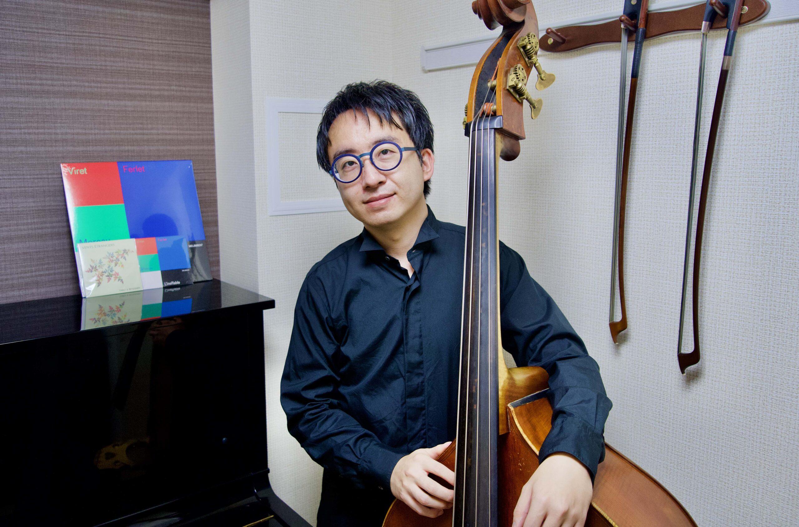 カサメミュージックスクールコントラバス・ウッドベース科講師、榊原太郎先生の写真