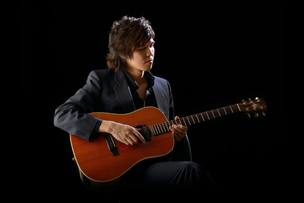 カサメミュージックスクールギター科講師、鈴木光生先生の写真
