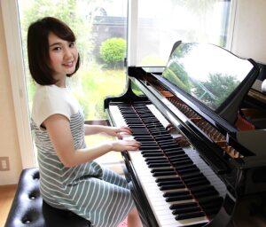 カサメミュージックスクールピアノ科講師、齋藤香歩先生の写真