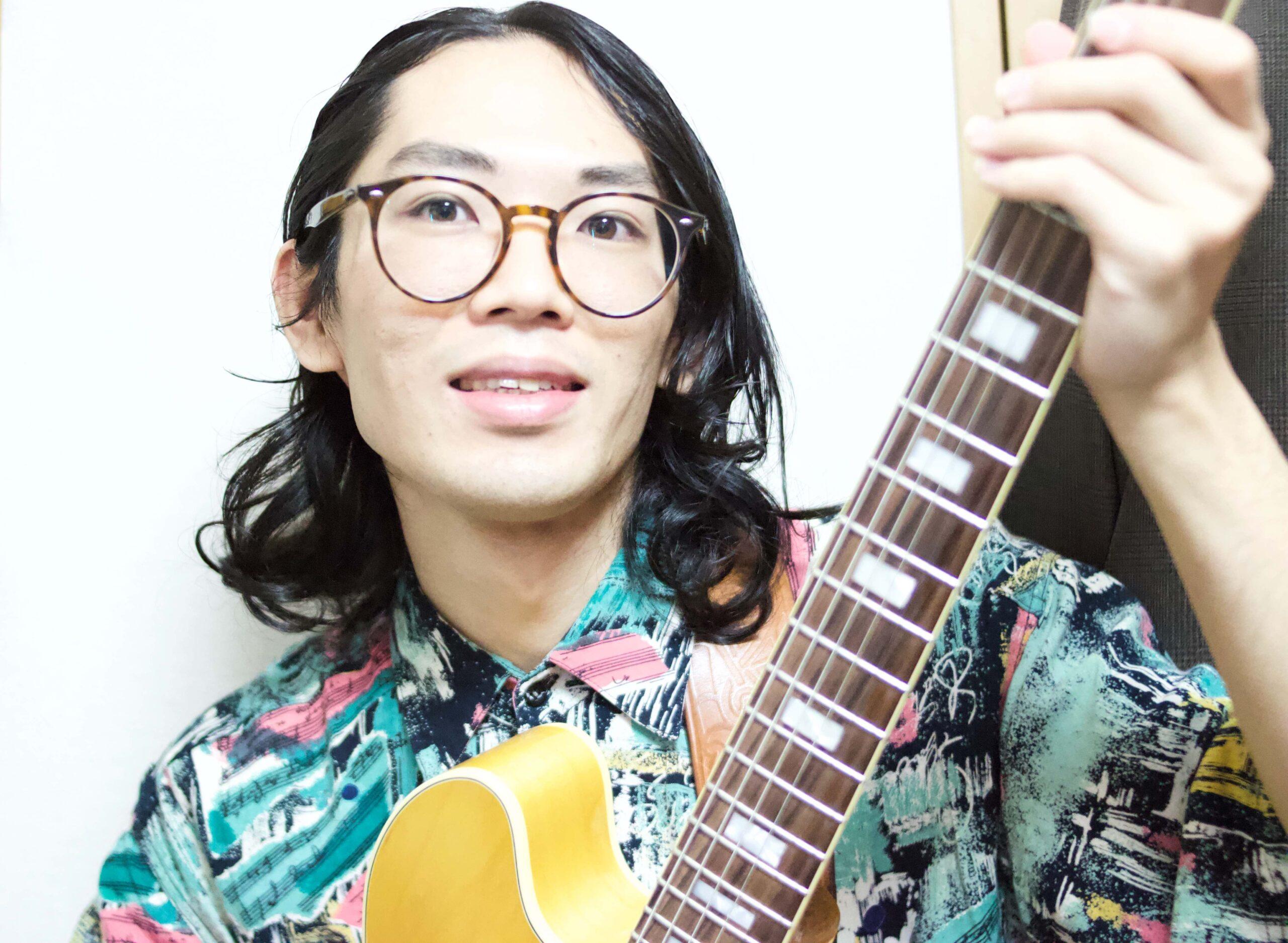 カサメミュージックスクールギター科講師、亀山淳弥先生の写真