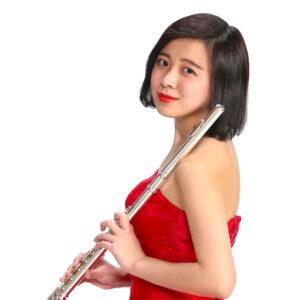 カサメミュージックスクールフルート科講師、宮崎こまち先生の写真