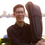カサメミュージックスクールコントラバス・ウッドベース科講師、小玉勇気先生の写真