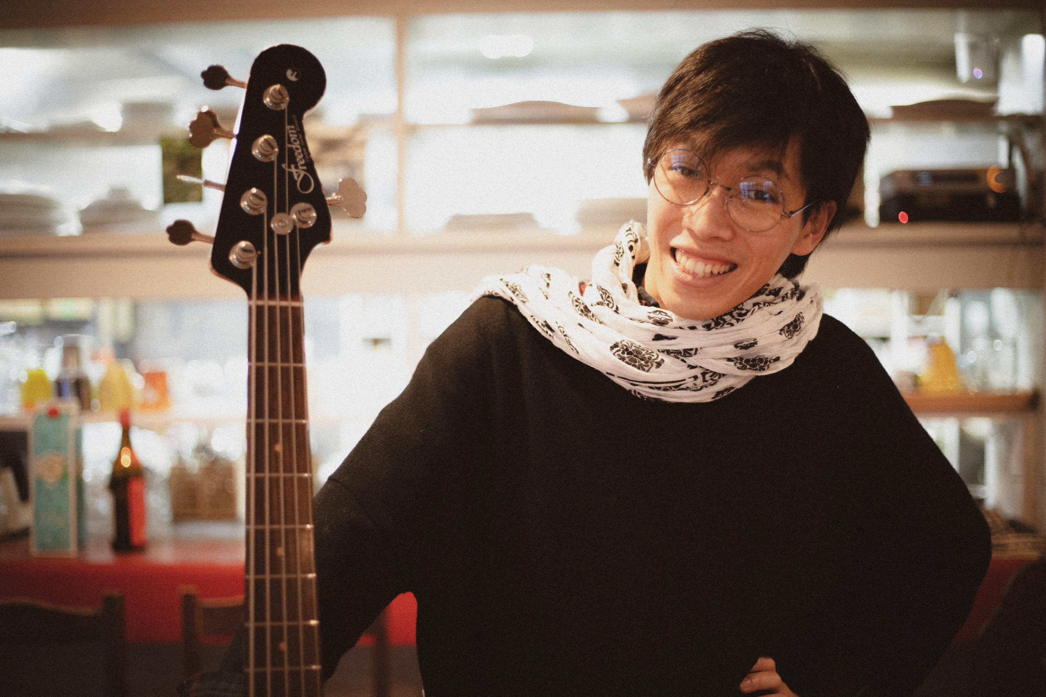 カサメミュージックスクールベース科講師、中野マサヒコ先生の写真