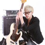 カサメミュージックスクールベース科講師、米倉京佑先生の写真