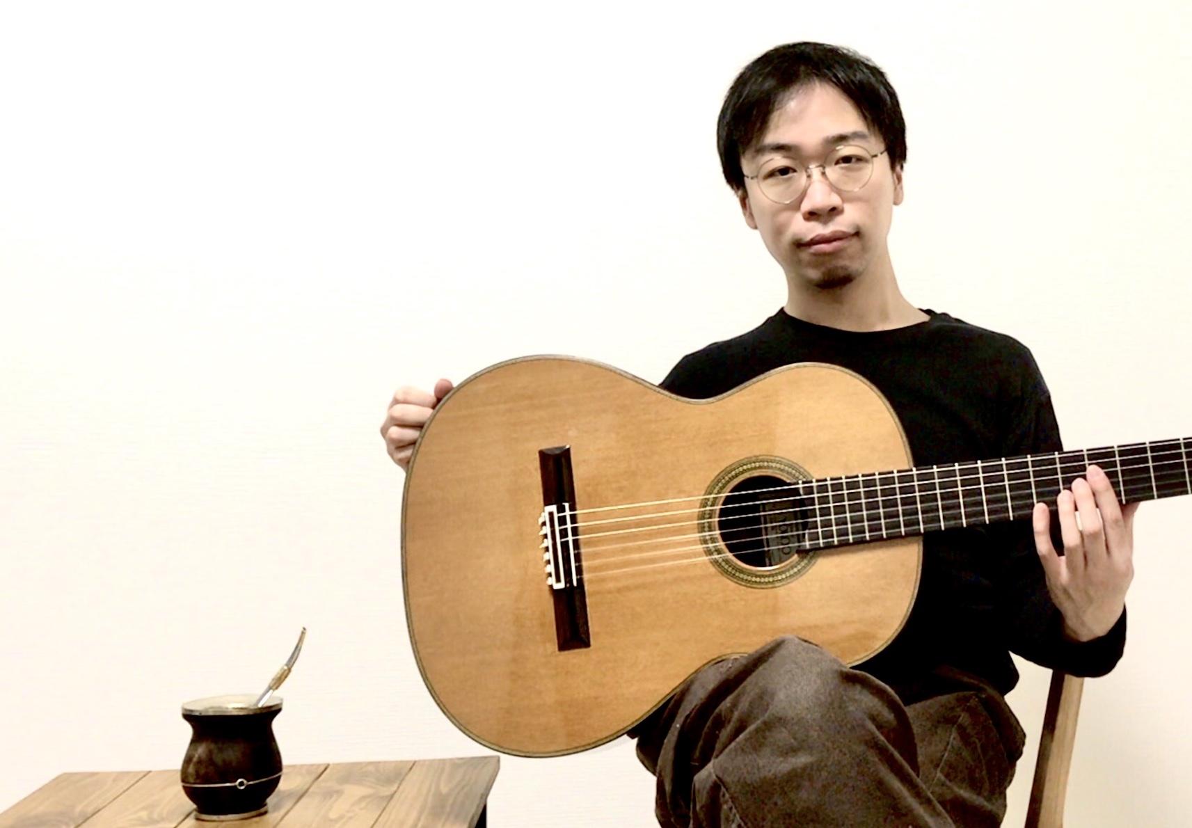 カサメミュージックスクールギター科講師、清水悠先生の写真