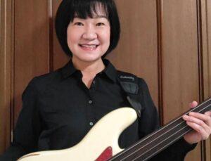カサメミュージックスクールベース科講師、田村奈津子先生の写真