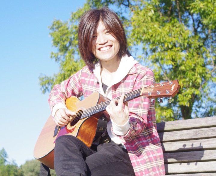 カサメミュージックスクールギター科講師、西尾大二郎先生の写真