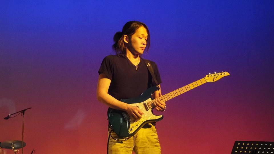 カサメミュージックスクールギター科講師、Satoshi先生の写真